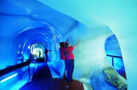 Glacier Grotte - ледяная пещера в Titlis