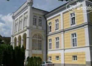 Astoria Grand