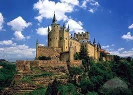 Замок Alcazar в Сеговии